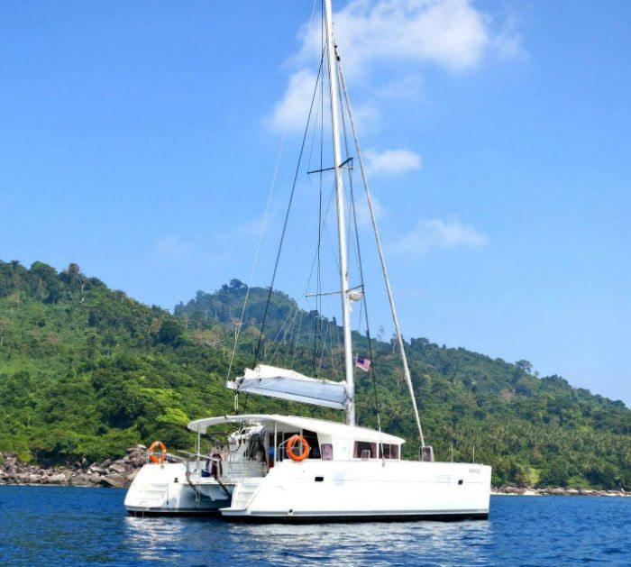 SunRise Yacht Singapore | Singapore Yacht Charter