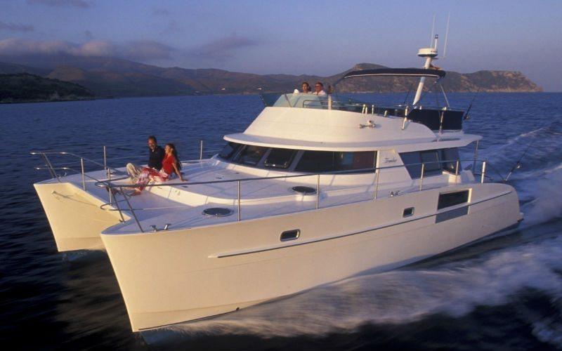 Luxury Yacht Charter Singapore - SunRise