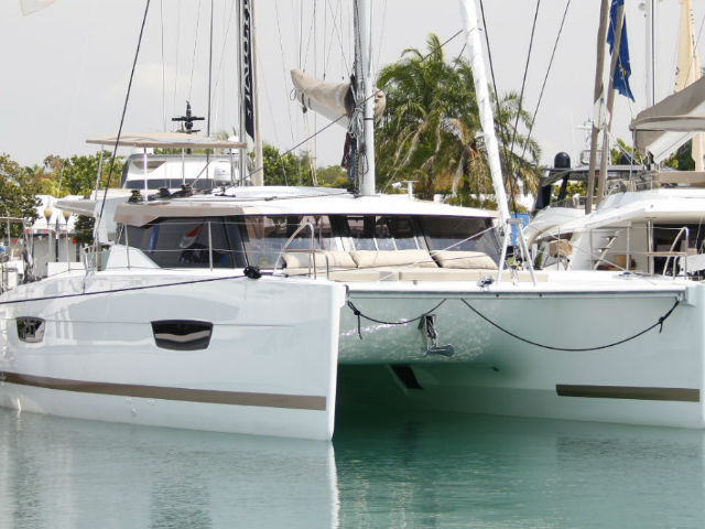 Camelot Yacht Singapore | Singapore Yacht Charter