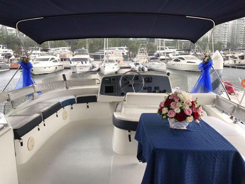 XiaoLin Yacht Flybridge   Motor Yacht Charter   Singapore Yacht Charter