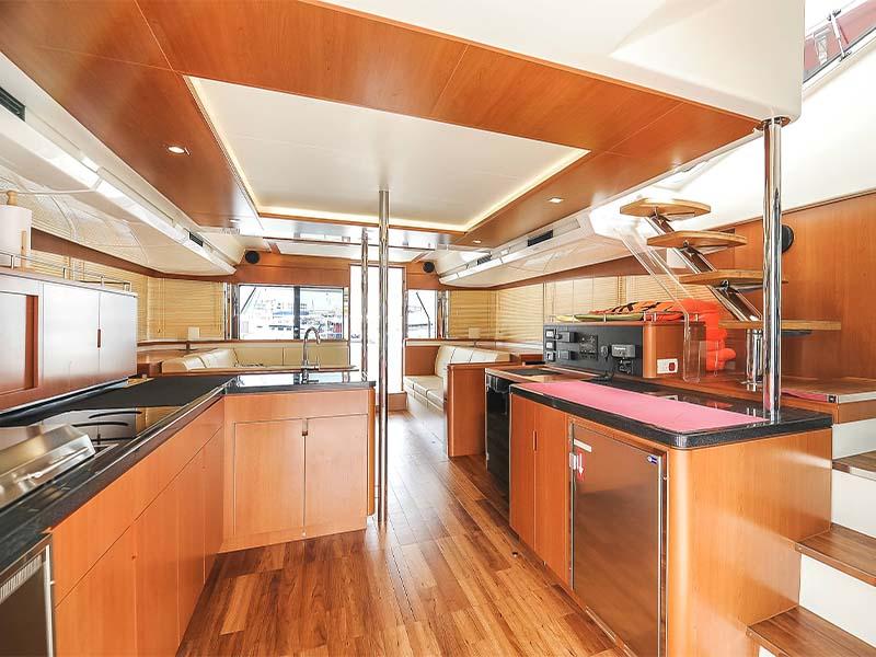 Amethyst 1 Yacht Saloon 1 | Singapore Yacht Charter