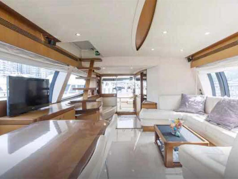 Rulin Yacht Saloon   Singapore Yacht Charter