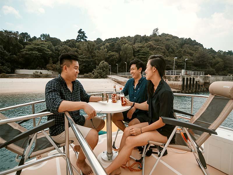 Veyron Yacht Flybridge 5 | Luxury Trawler | Singapore Yacht Charter