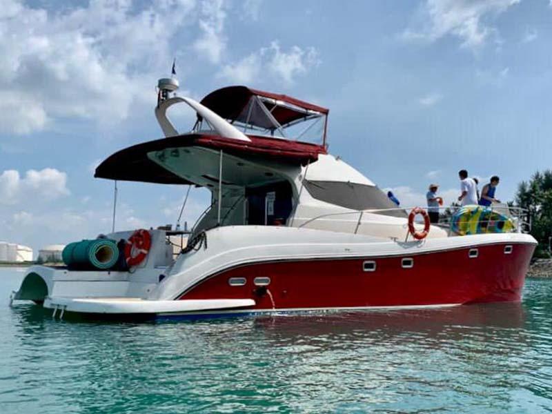 La Fortuna yacht 1 | RSYC | Cruise to Pulau Hantu | Singapore Yacht Charter