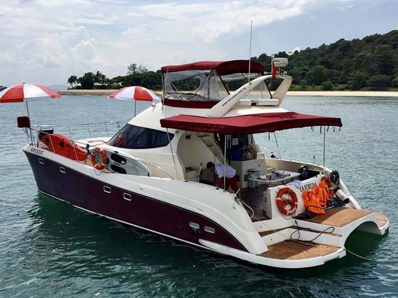 La Fortuna yacht 2 | RSYC | Cruise to Pulau Hantu | Singapore Yacht Charter