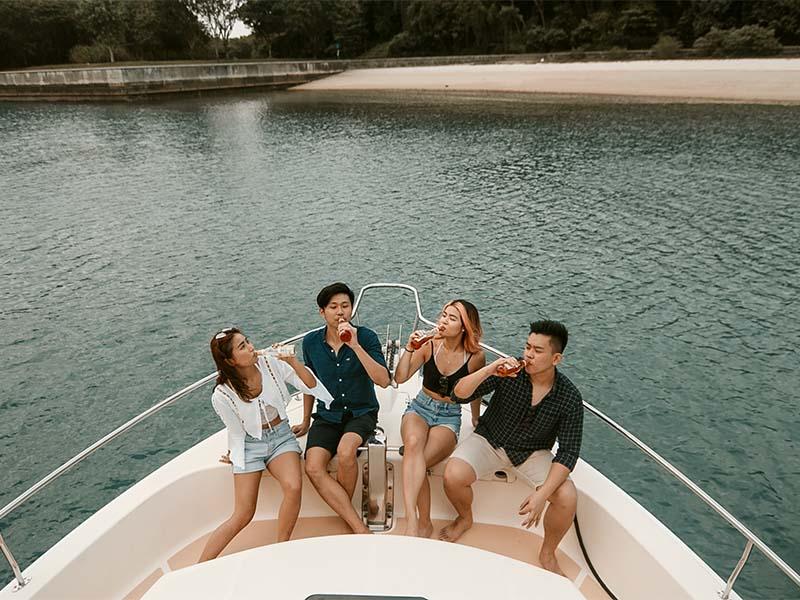 Veyron Yacht Bow | Luxury Trawler | Singapore Yacht Charter