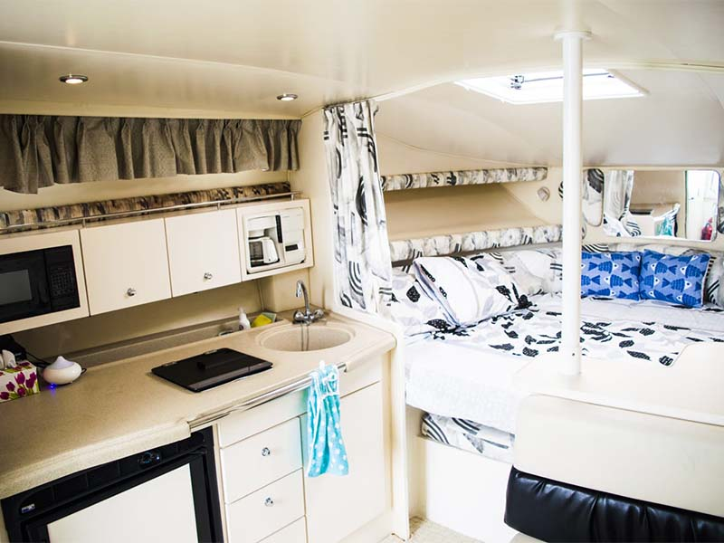 Artemis Fishing Boat Cabin with Galley   34ft Wellcraft   Singapore Yacht Charter