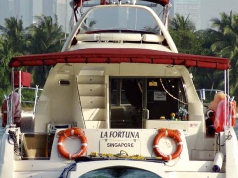 La Fortuna yacht Rear | RSYC | Cruise to Pulau Hantu | Singapore Yacht Charter