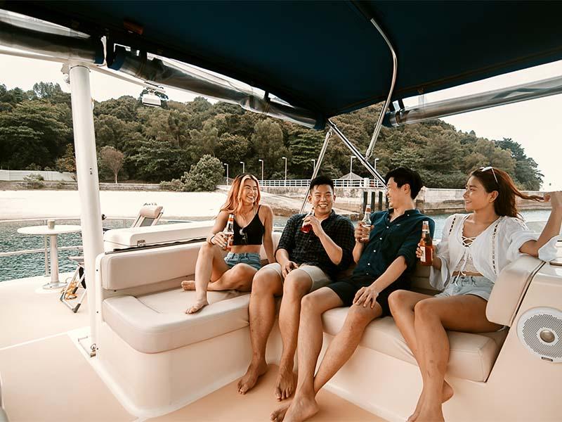 Veyron Yacht Flybridge 2 | Luxury Trawler | Singapore Yacht Charter