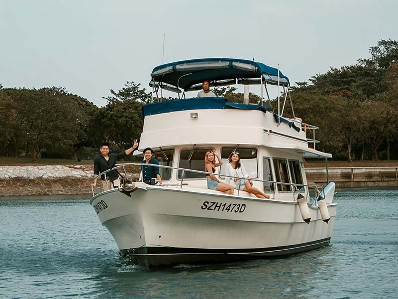 Veyron Yacht Cruising | Luxury Trawler | Singapore Yacht Charter